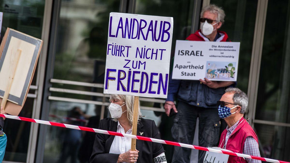 BDS-nahe Aktivisten protestierten in München gegen die Siedlungspolitik Israels.