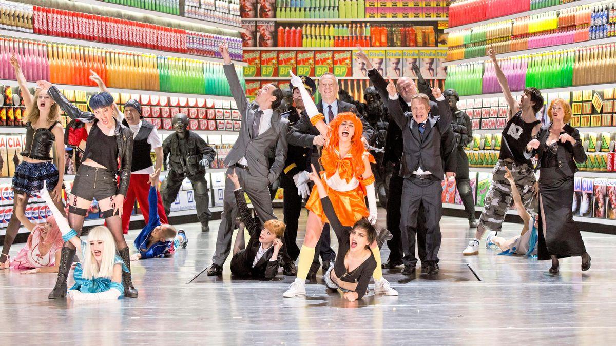 Viel Farbe und Gewalt: Tänzer auf der Bühne