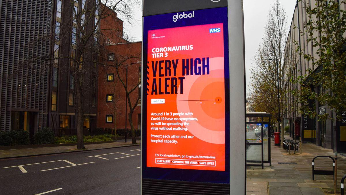 Warntafel weist auf hohe Infektionsgefahr in London hin