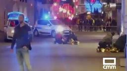 Das von CMM zur Verfügung gestellte Videostandbild zeigt am Boden liegende Menschen nach einem Angriff am Straßburger Weihnachtsmarkt.   Bild:dpa-Bildfunk