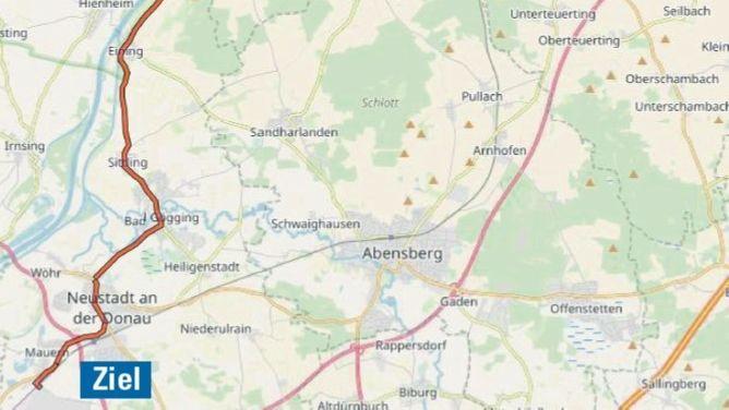 Die Strecke des Schwertransports führt von Kelheim über Weltenburg Staubing und Eining sowie über Bad Gögging zur Raffinerie nach Neustadt an der Donau.