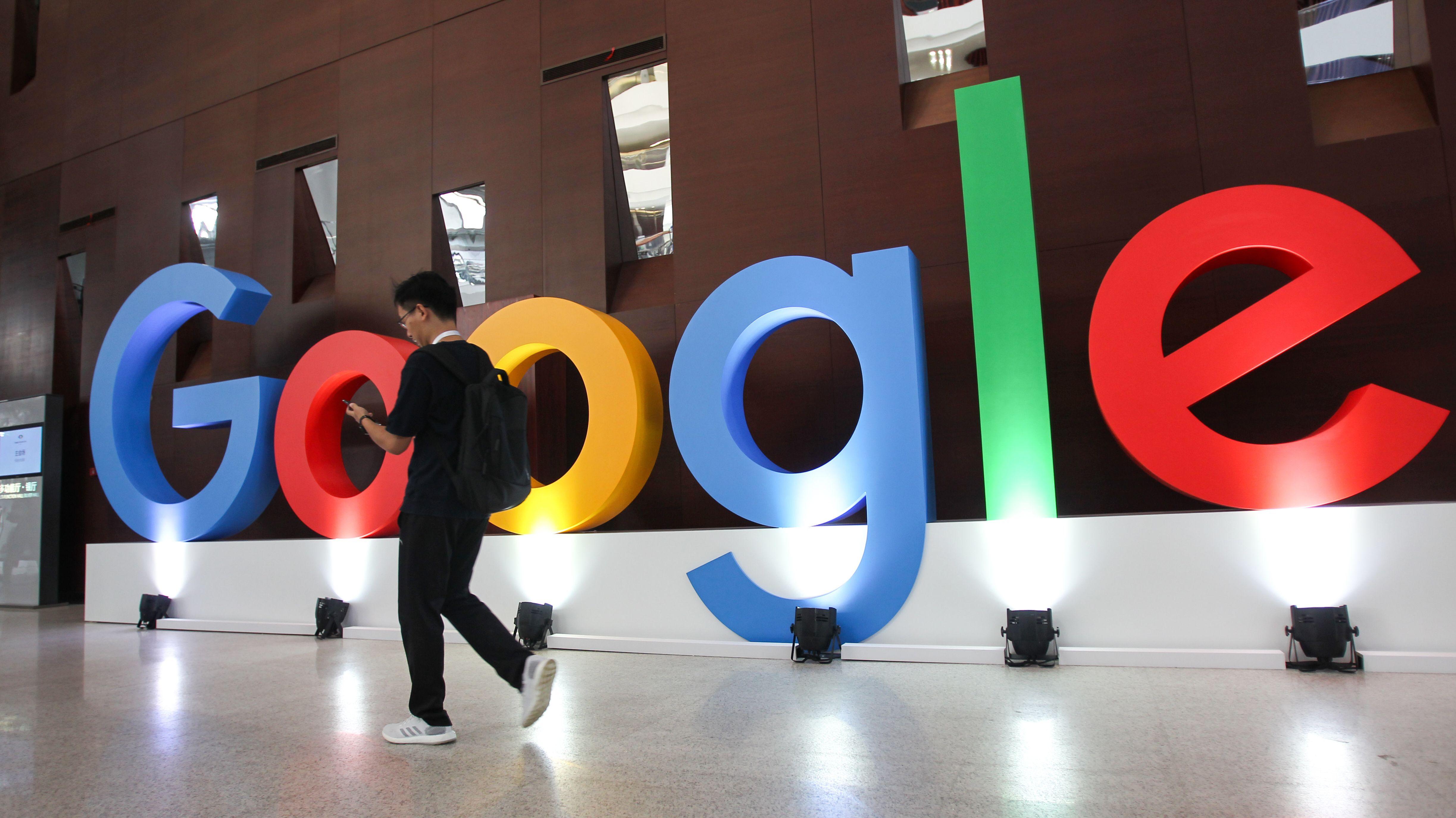 Google und Apple wollen bei der Entwicklung von Coronavirus-Apps zusammenarbeiten.