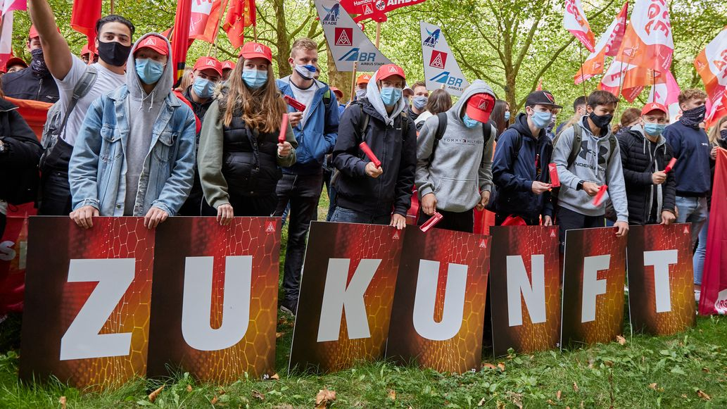 Gewerkschafter demonstrieren
