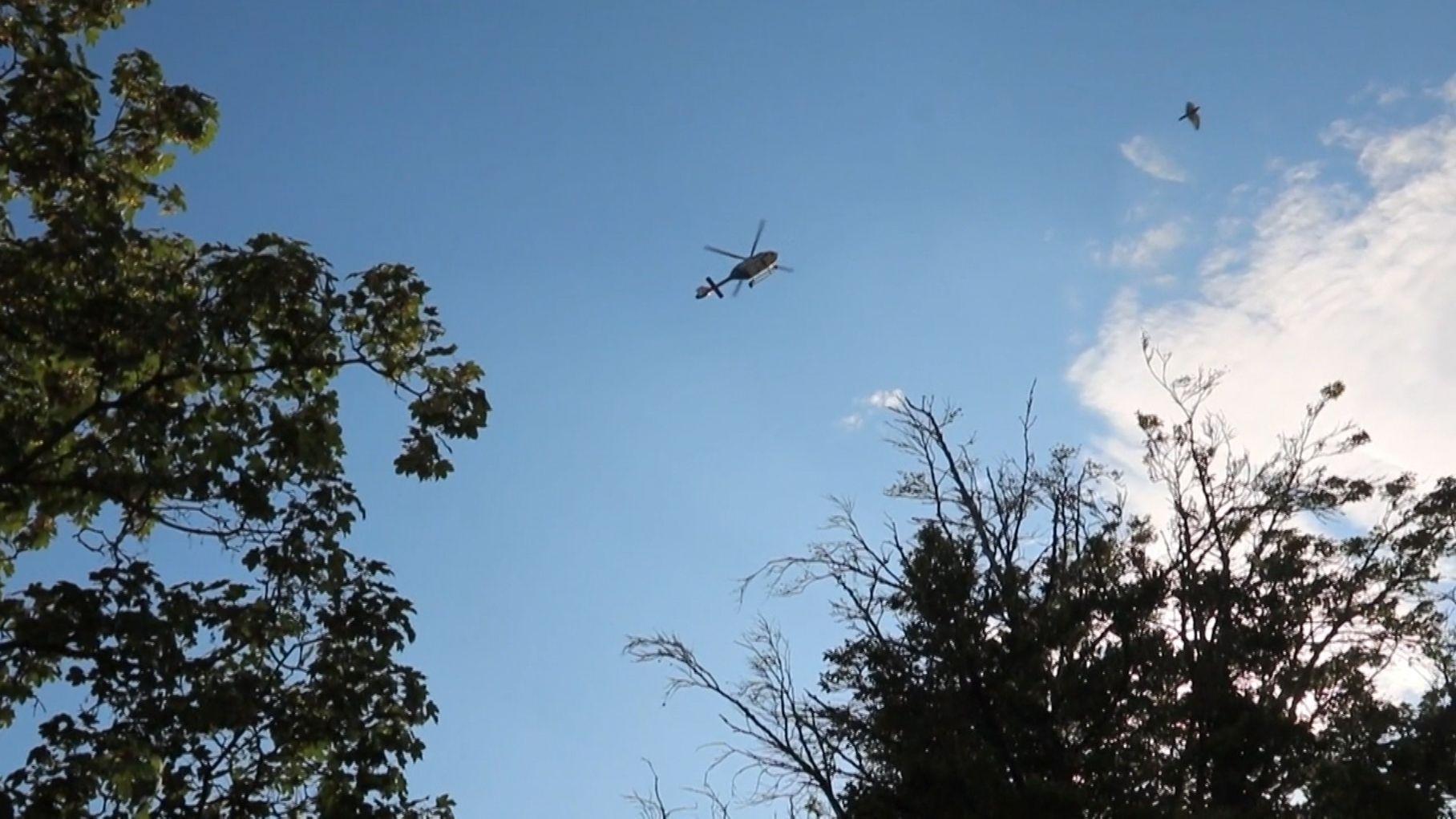 Hubschrauber sucht nach Häftlingen