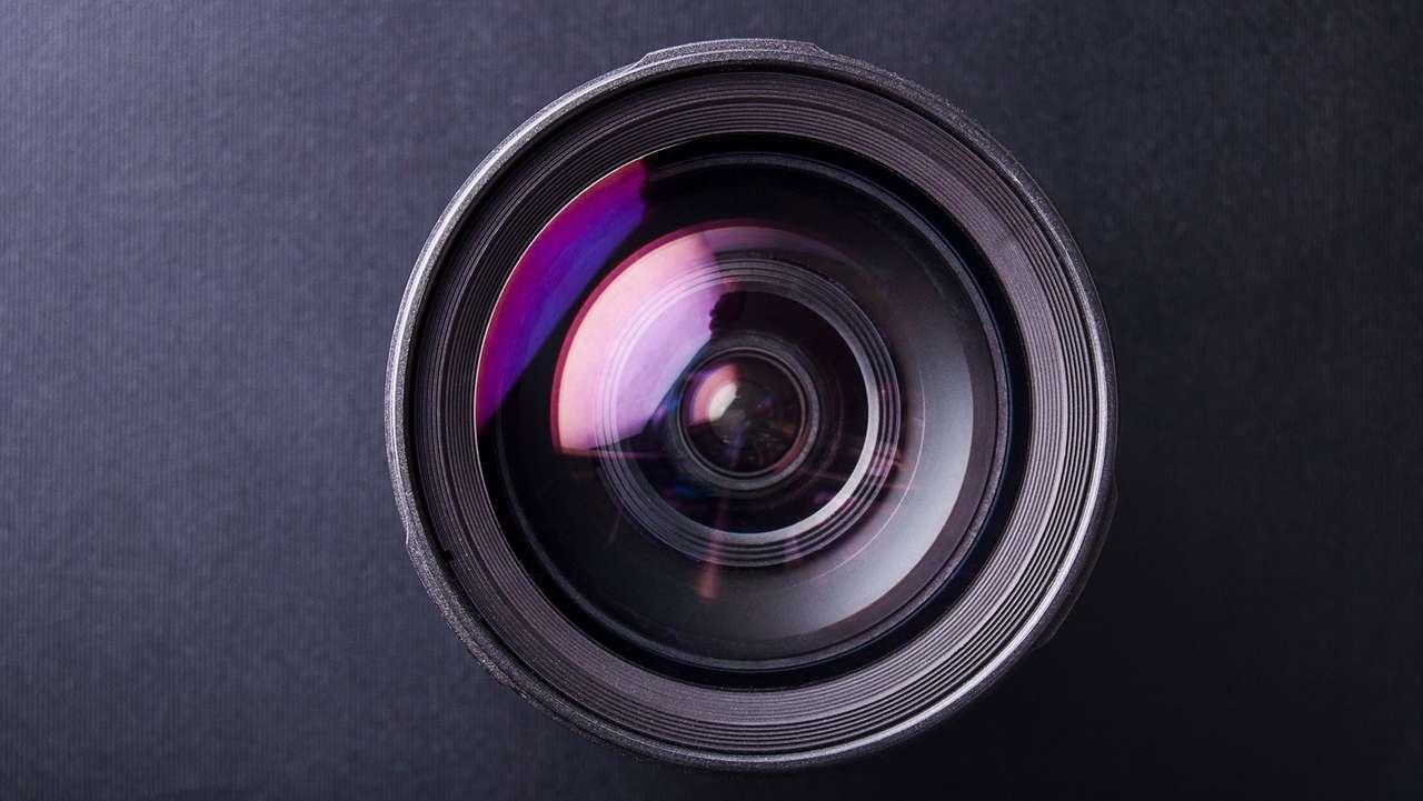 Kamera-Objektiv (Symbolbild)