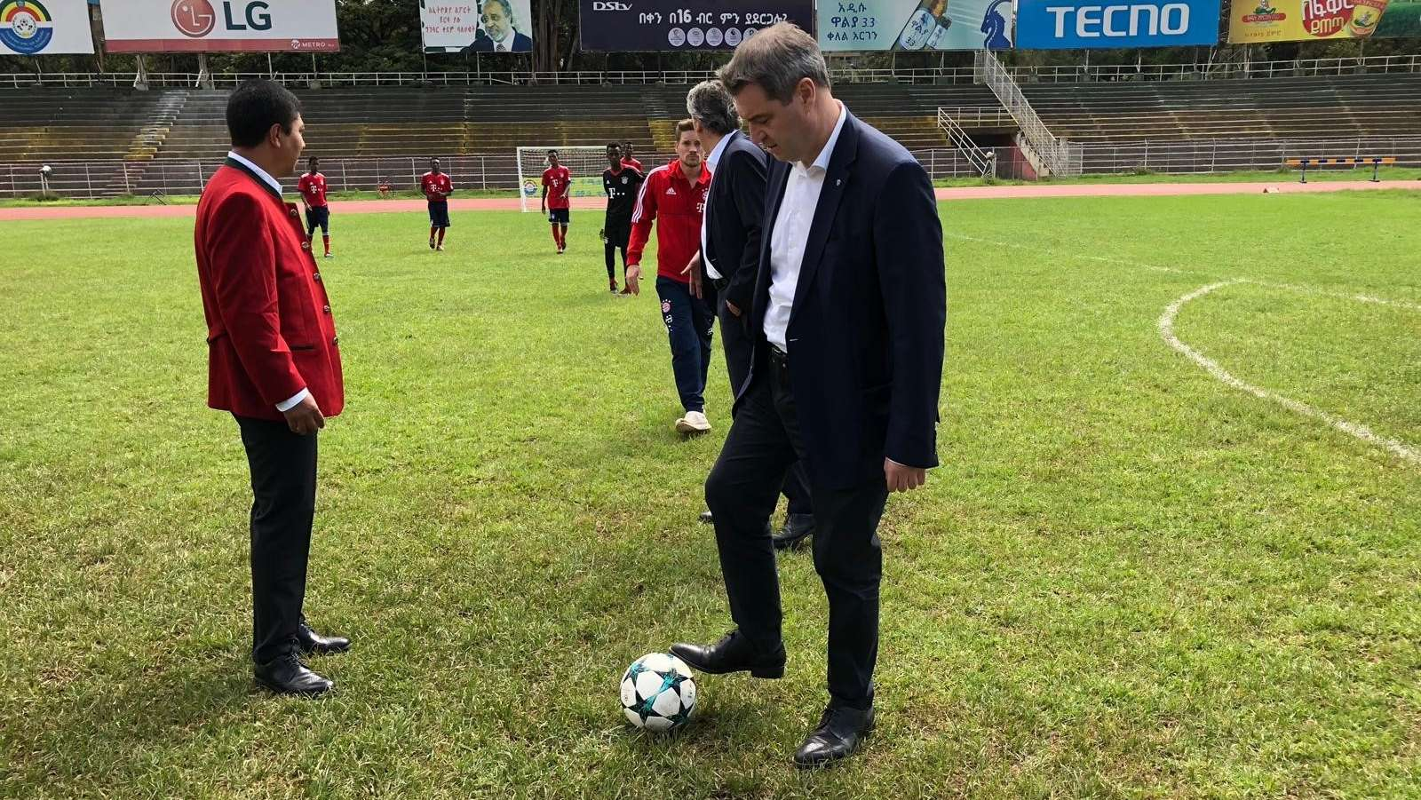 Äthiopien: Söder und FC Bayern eröffnen Fußballschule