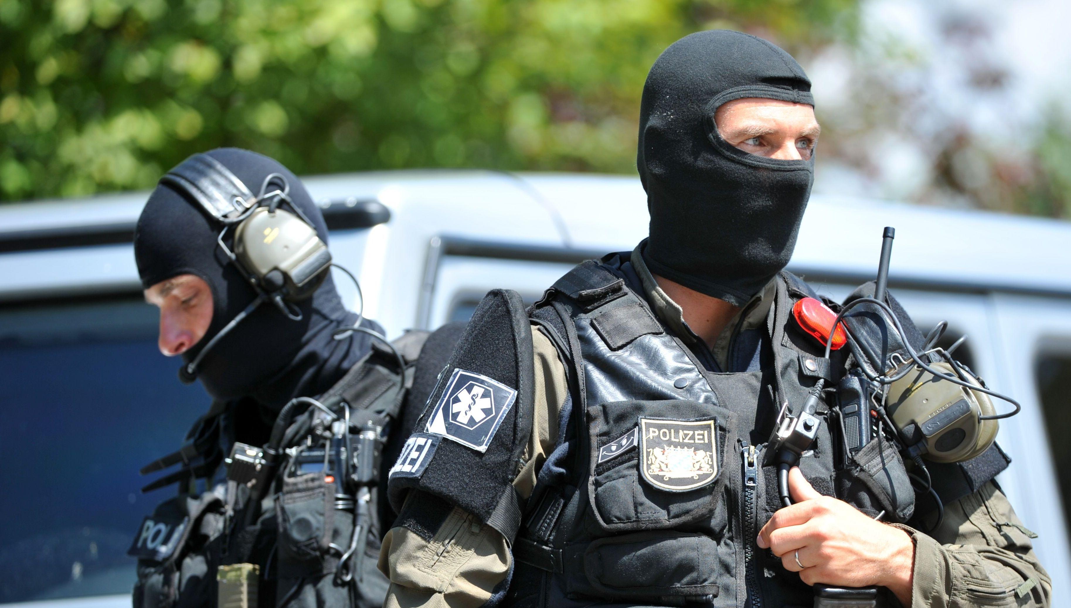 Spezialeinsatzkräfte der Bayerischen Polizei bei einem Großeinsatz