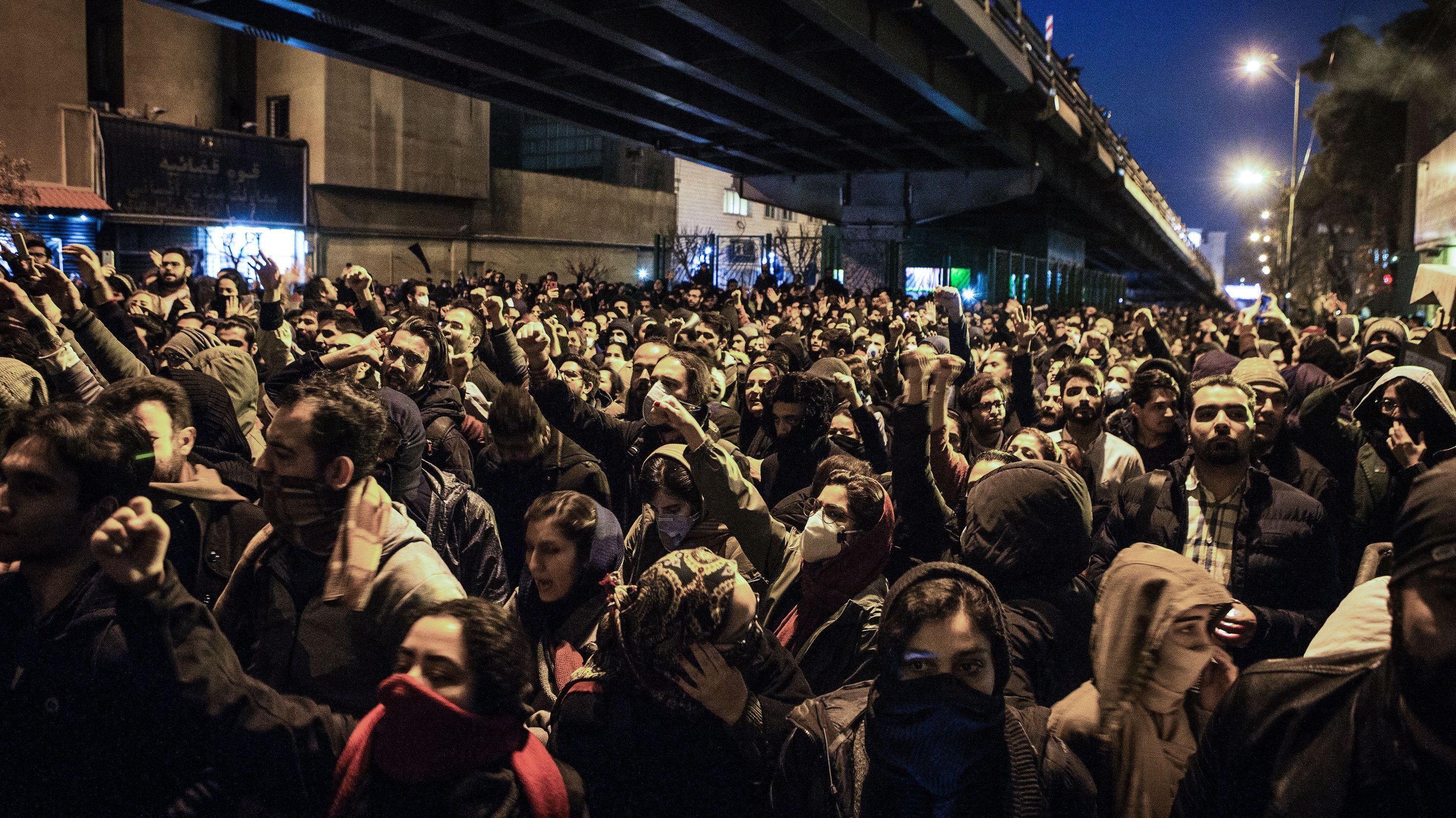 In Teheran kam es gestern zu Protesten wegen des Abschusses der ukrainischen Passagiermaschine durch das iranische Militär.