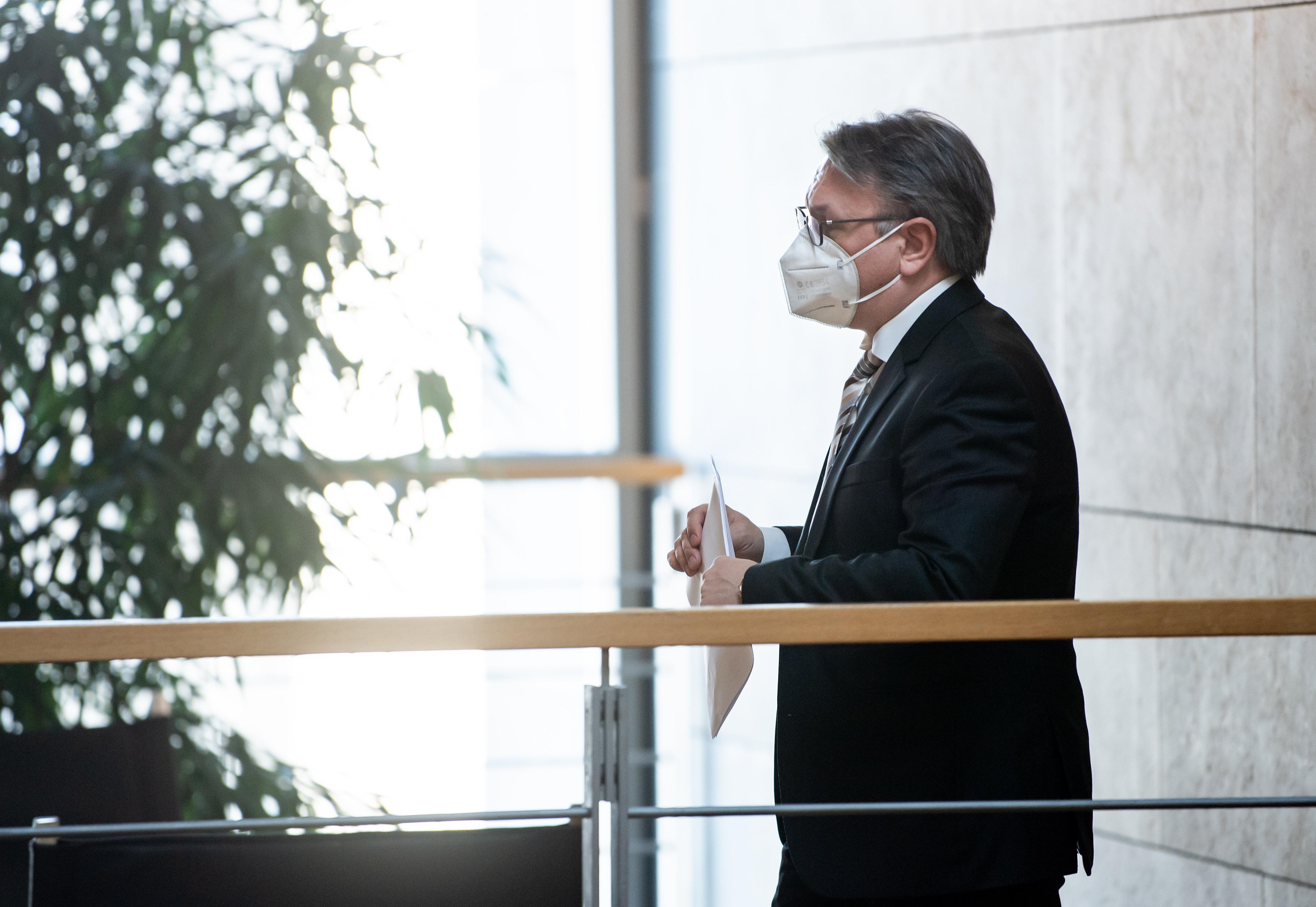 Bestechungsaffäre: CSU-Politiker Georg Nüßlein zieht sich aus Politik zurück