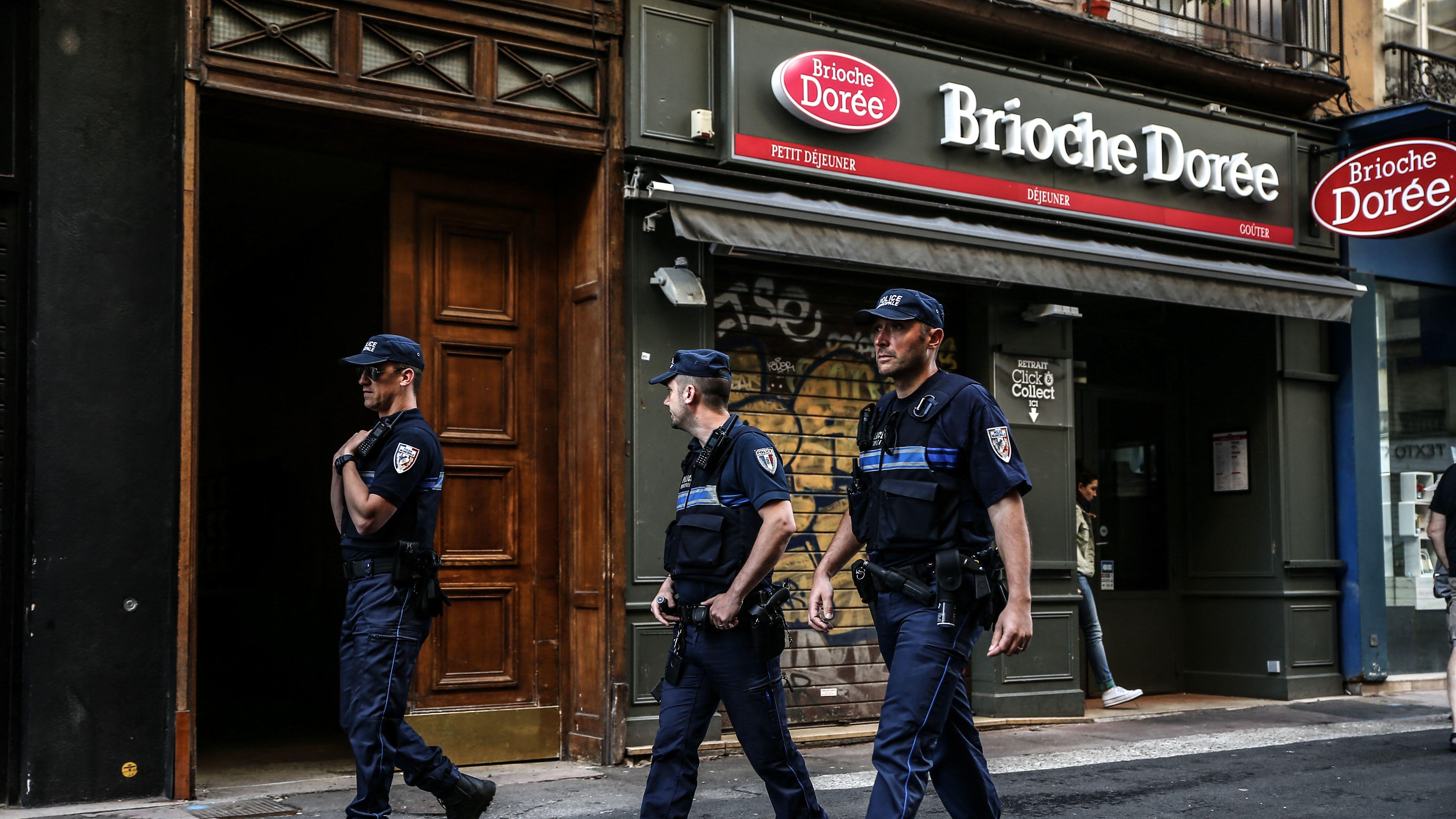 Nach Bombenattentat in Lyon: Mutmaßlicher Täter bekennt sich zum Islamischen Staat