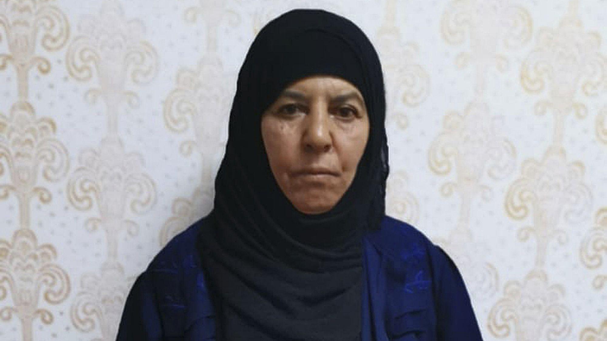 Türkische Soldaten nahmen Rasmija Awad, die Schwester des kürzlich getötetem IS-Anführer Abu Bakr al-Bagdadi fest.
