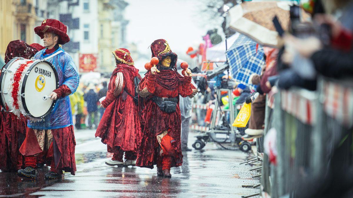 Karnevalsumzug (Symbolbild)