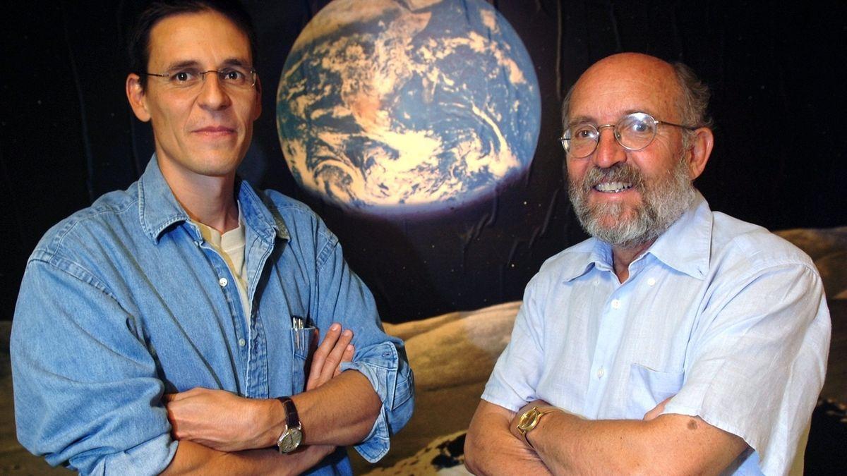 Michel Mayor (r) und Didier Queloz (l) erhalten den Nobelpreis für Physik 2019 zur Hälfte. Die andere Hälfte geht an James Peebles.