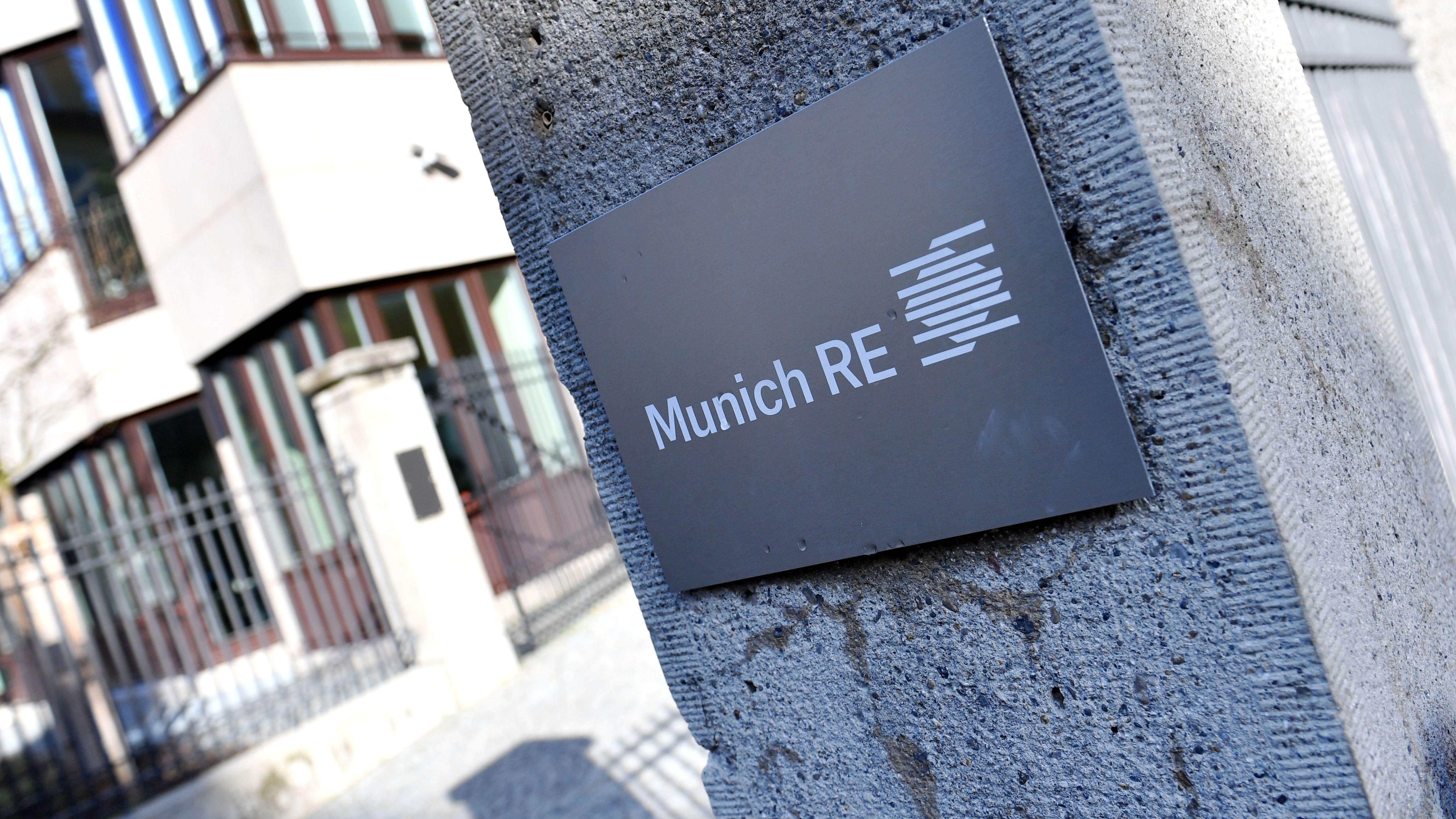 Firmenschild Munich Re