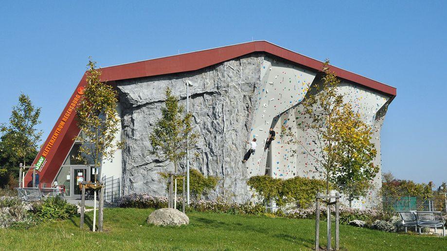 Kletterwand des Kletterzentrums im Lappersdorfer Silbergarten.