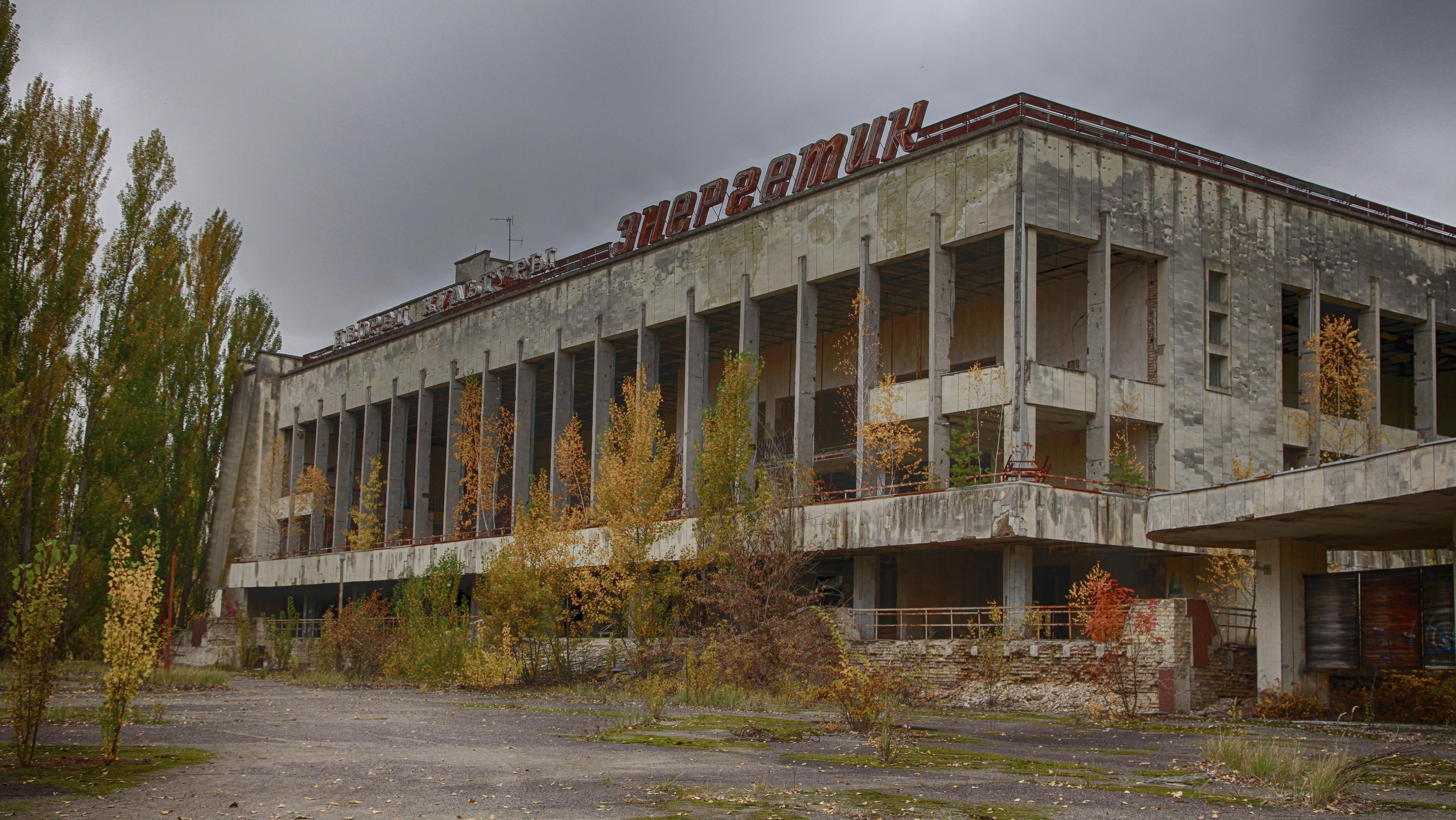 Verlassenes Gebäude in Prypiat nahe Tschernobyl, wo vor dem GAU 50.000 Menschen lebten. Die einstige Idealstadt ist jetzt Ruine - und Touristenmagnet.