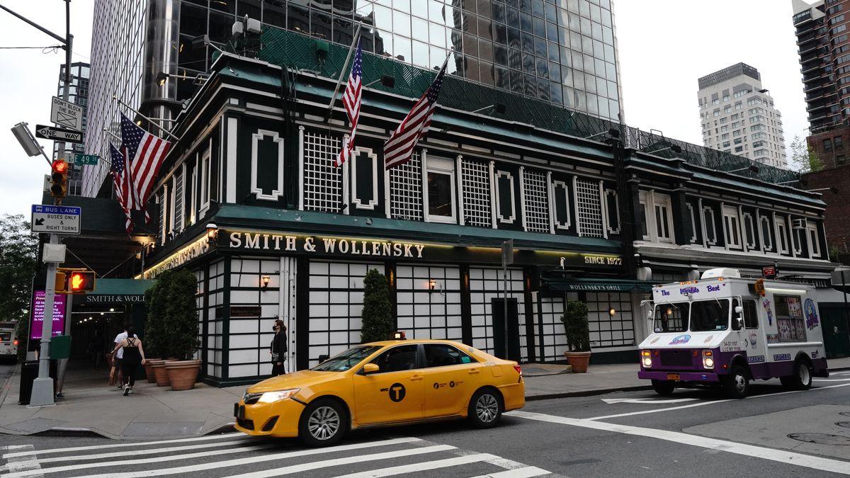 Außenansicht Smith&Wollensky-Restaurant in New York City im Juni 2020