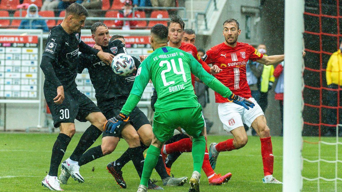 Spielszene Hallescher FC - FC Ingolstadt