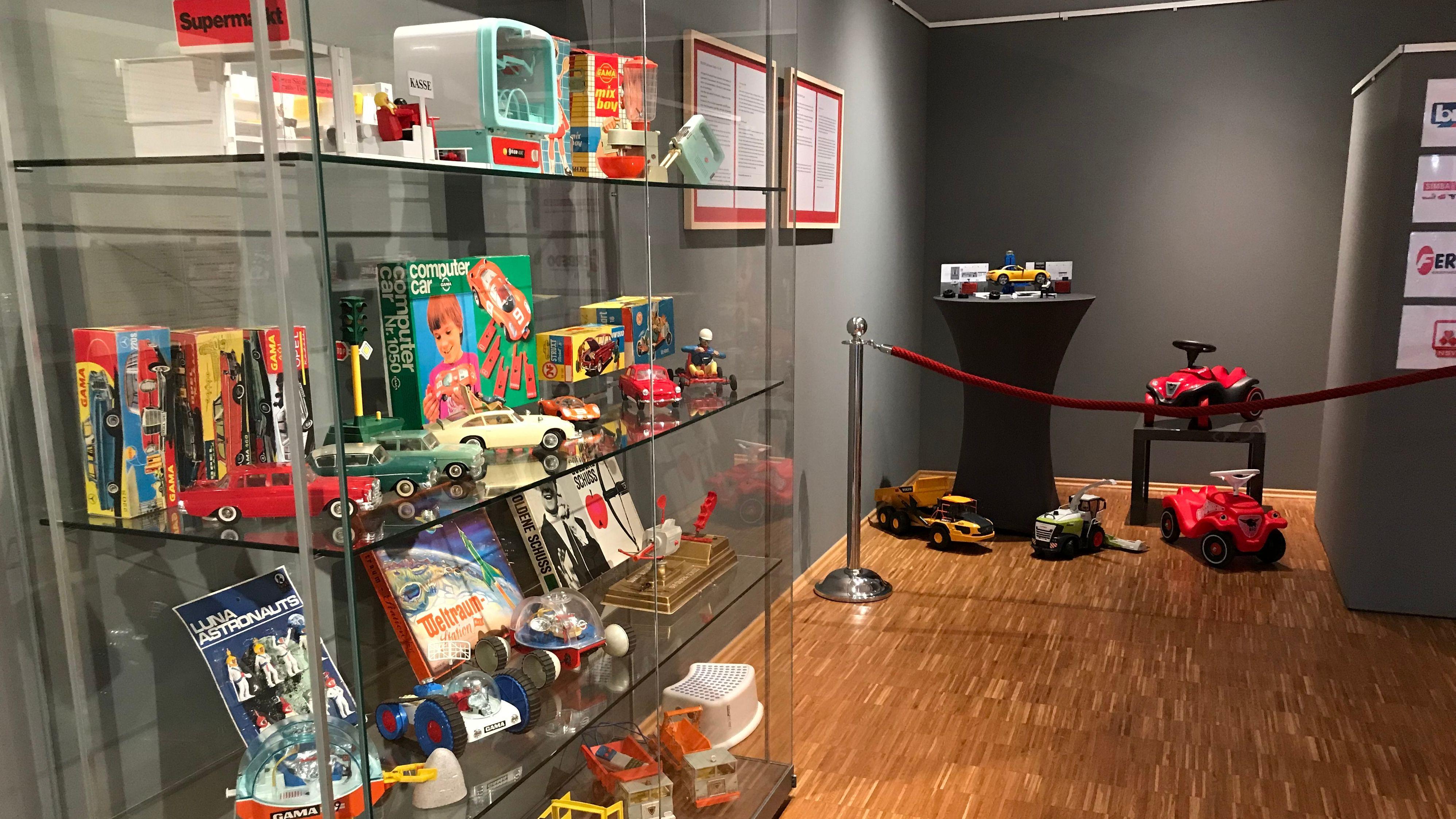 """""""Spielzeug made in Fürth"""""""
