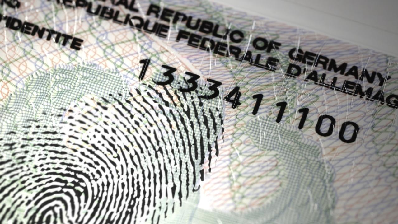 Personalausweis mit Fingerabdruck