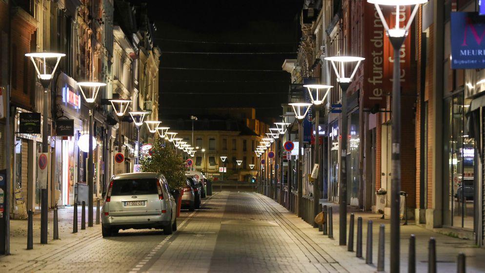 Eine menschenleere Straße in Frankreich. | Bild:dpa/picture-alliance/Thierry Thorel