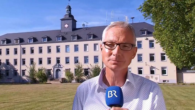 BR-Korrespondent Norbert Steiche in Schweinfurt zur Stellenverlagerung in der Finanzverwaltung