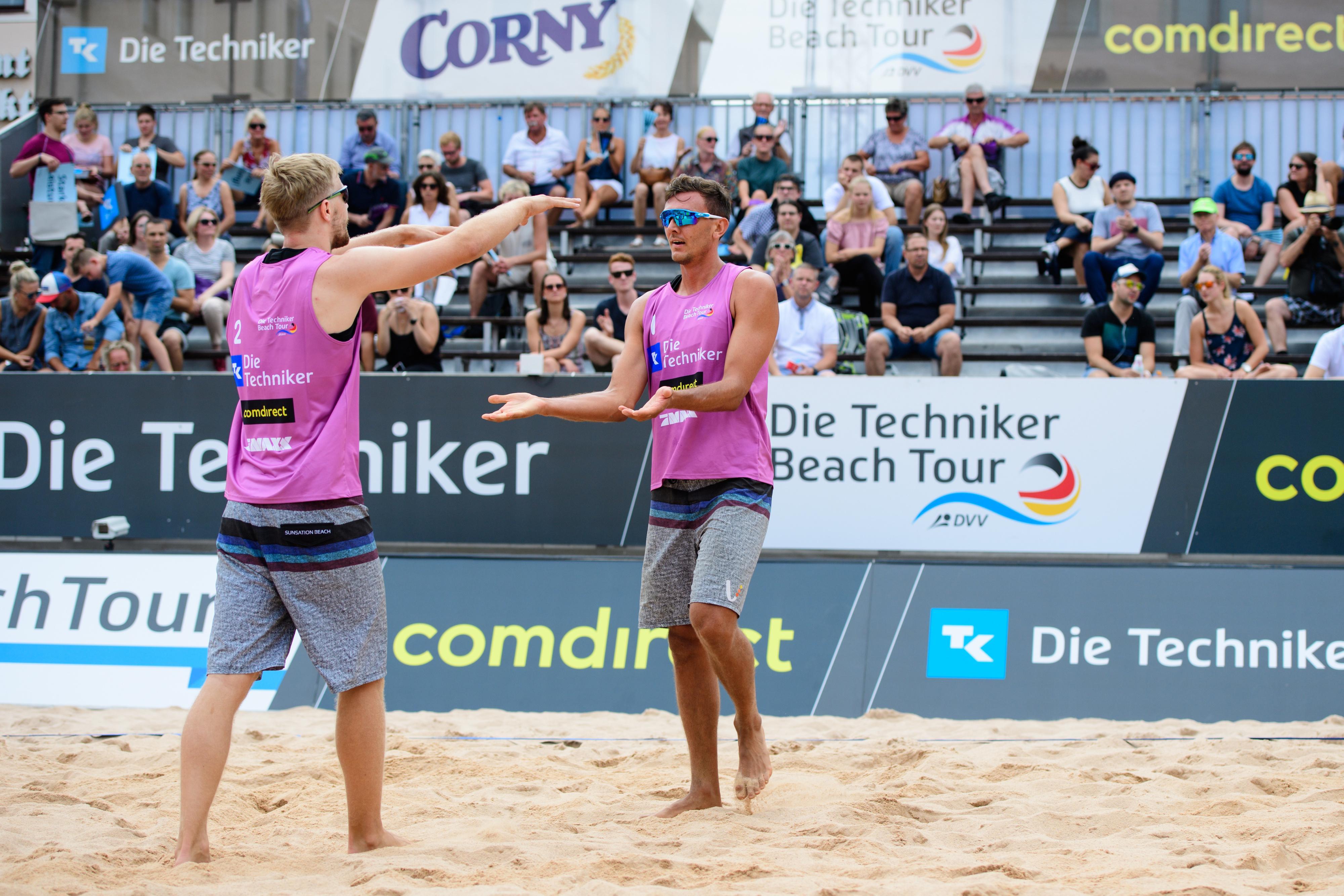 Die amtierenden bayerischen Beachvolleyball-Meister Lennart Kroha und Harry Schlegel