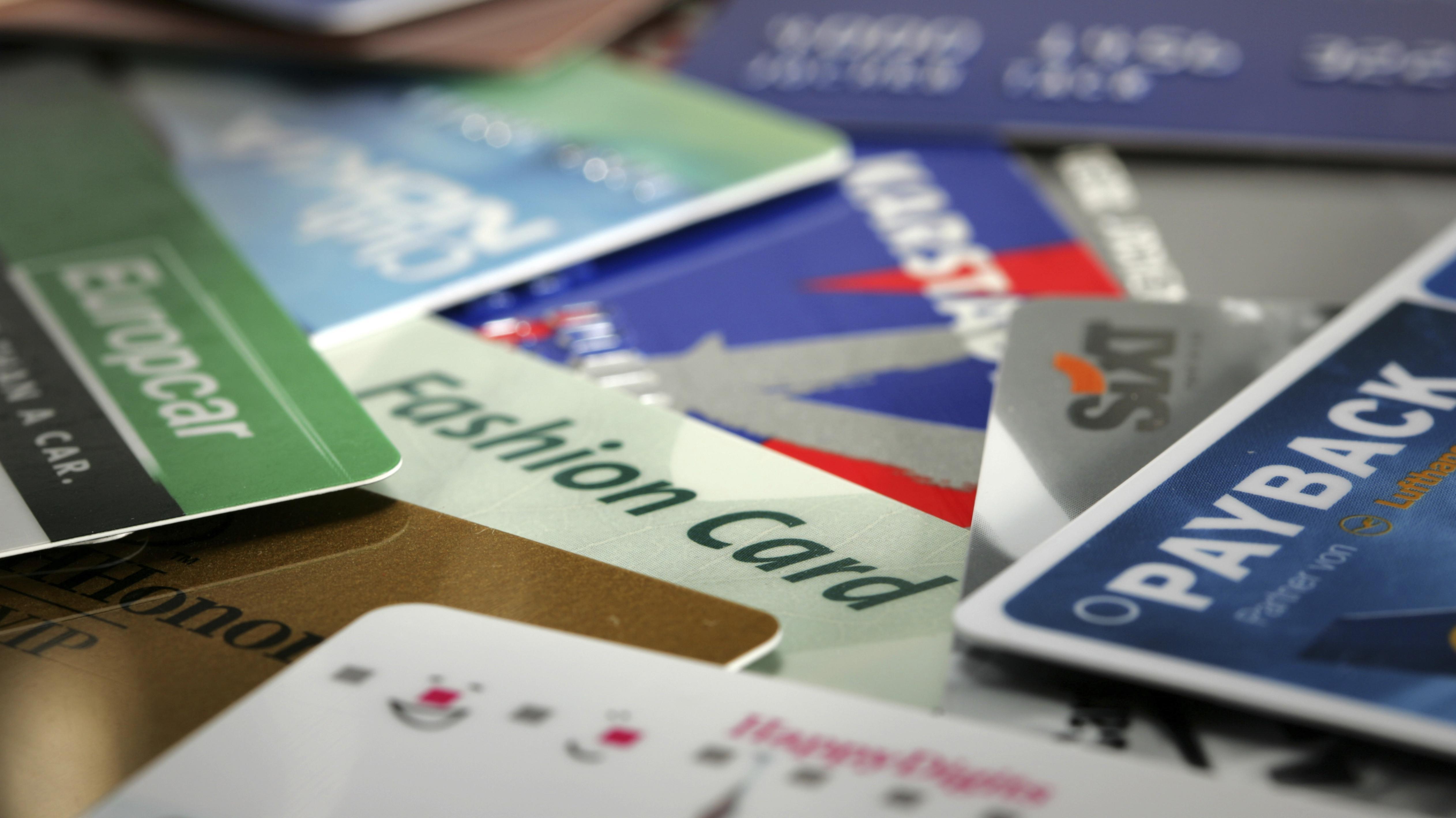 Die Deutschen sind Schnäppchenjäger: Fünf Bonuskarten haben wir im Schnitt im Geldbeutel.
