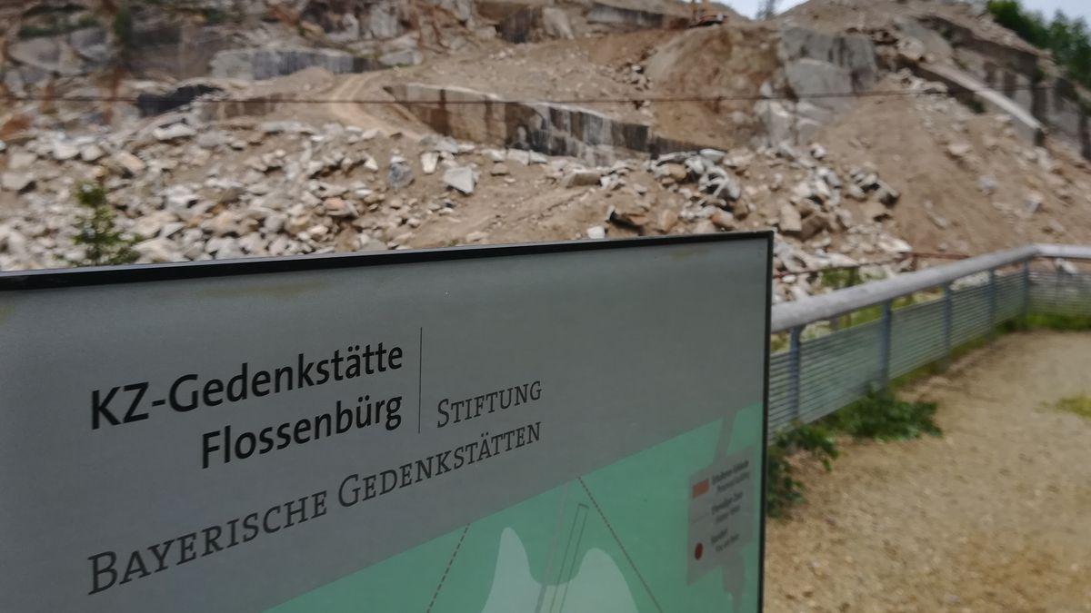 Steinbruch in der KZ-Gedenkstätte Flossenbürg.