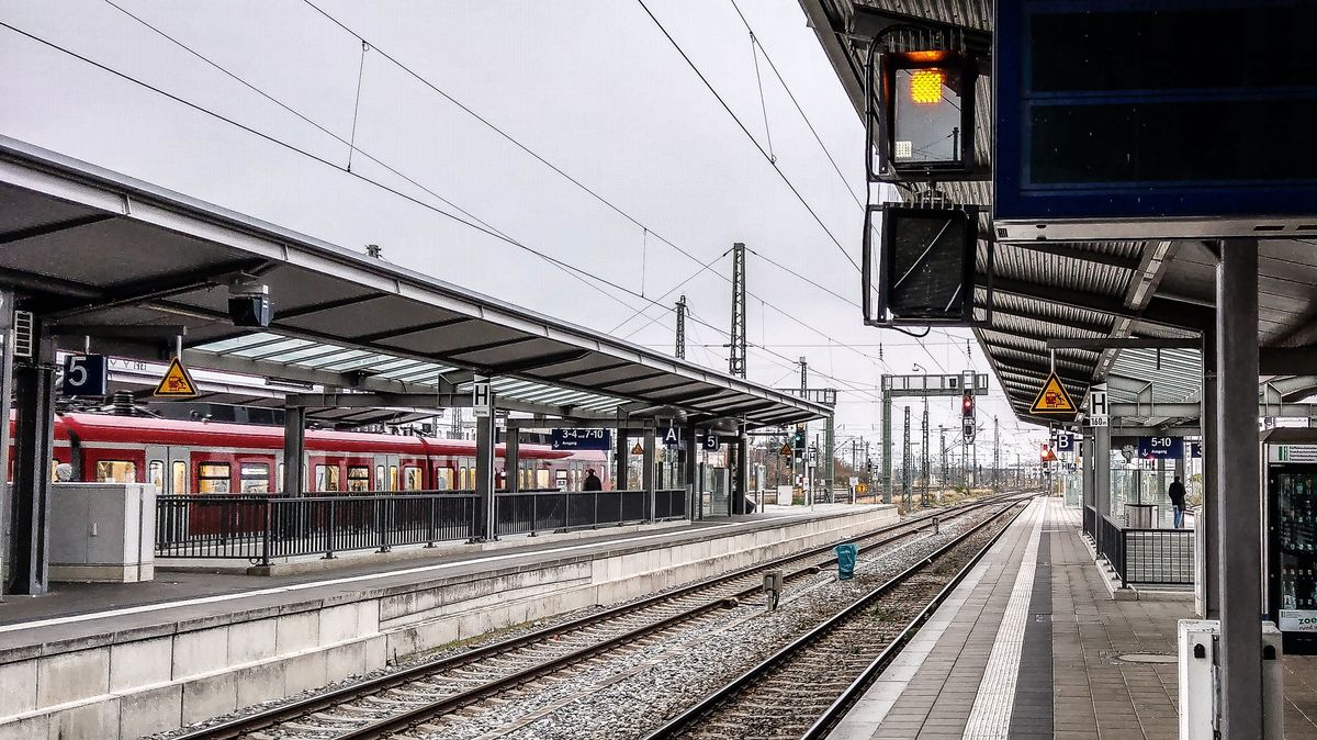 Bahnsteig der S-Bahn München-Pasing