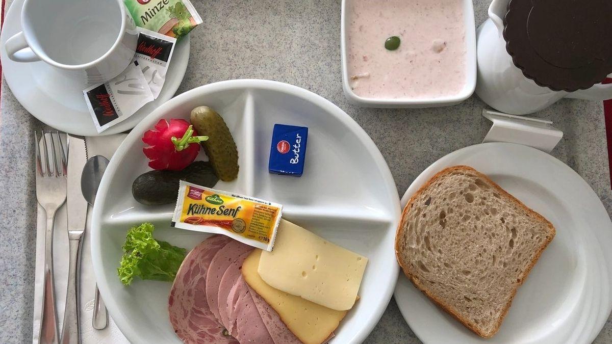 Der Klassiker unter den Patientenessen: Wurst, Käse, Brot