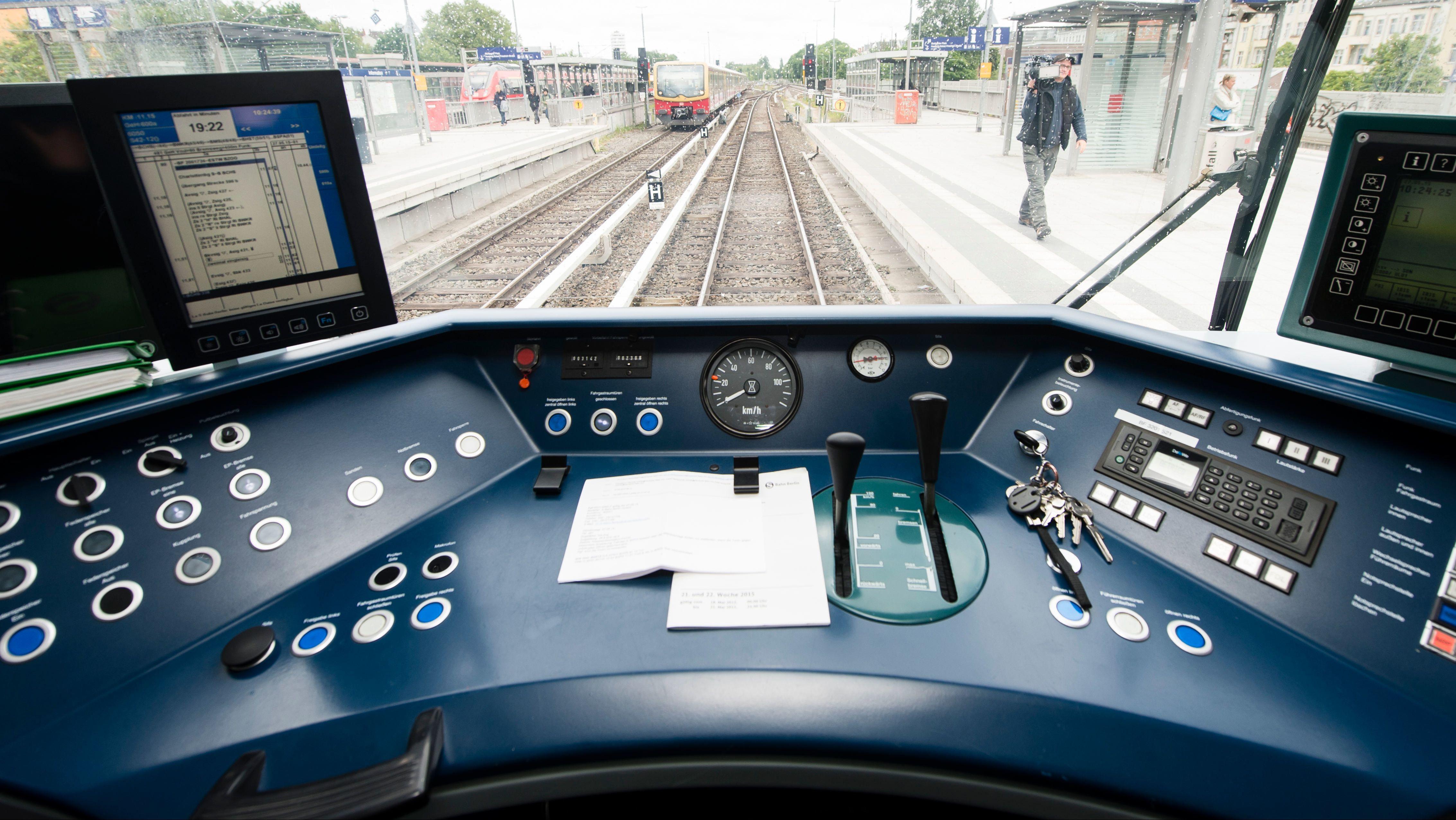 Führerstand eines Zugs (Symbolbild).