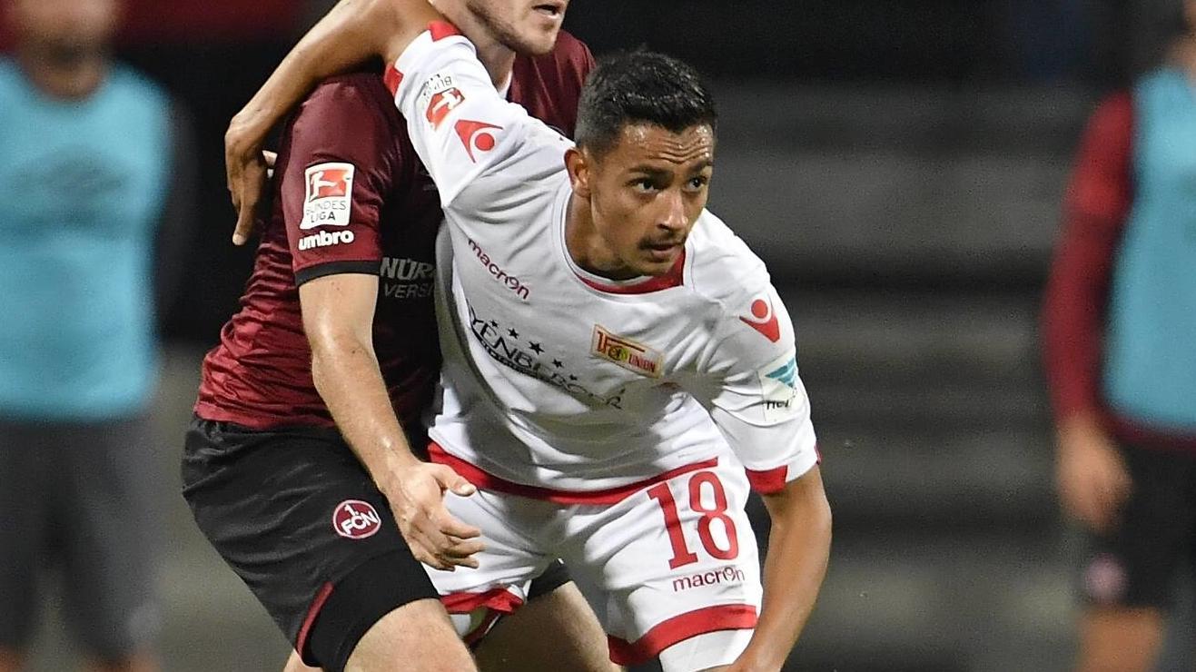 Kevin Prince Redondo in einem Zweitligaspiel gegen den 1. FC Nürnberg in der Saison 2017/18