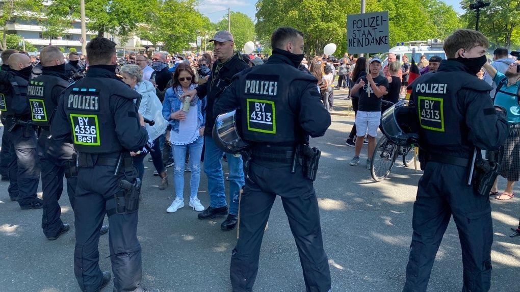 Gegner der Corona-Maßnahmen demonstrieren in Nürnberg