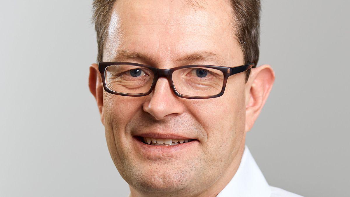 Wegen seiner umstrittenen Äußerungen zur Corona-Strategie wurde der Münchner Wirtschaftsethiker Christoph Lütge aus dem bayerischen Ethikrat der Staatsregierung abberufen.