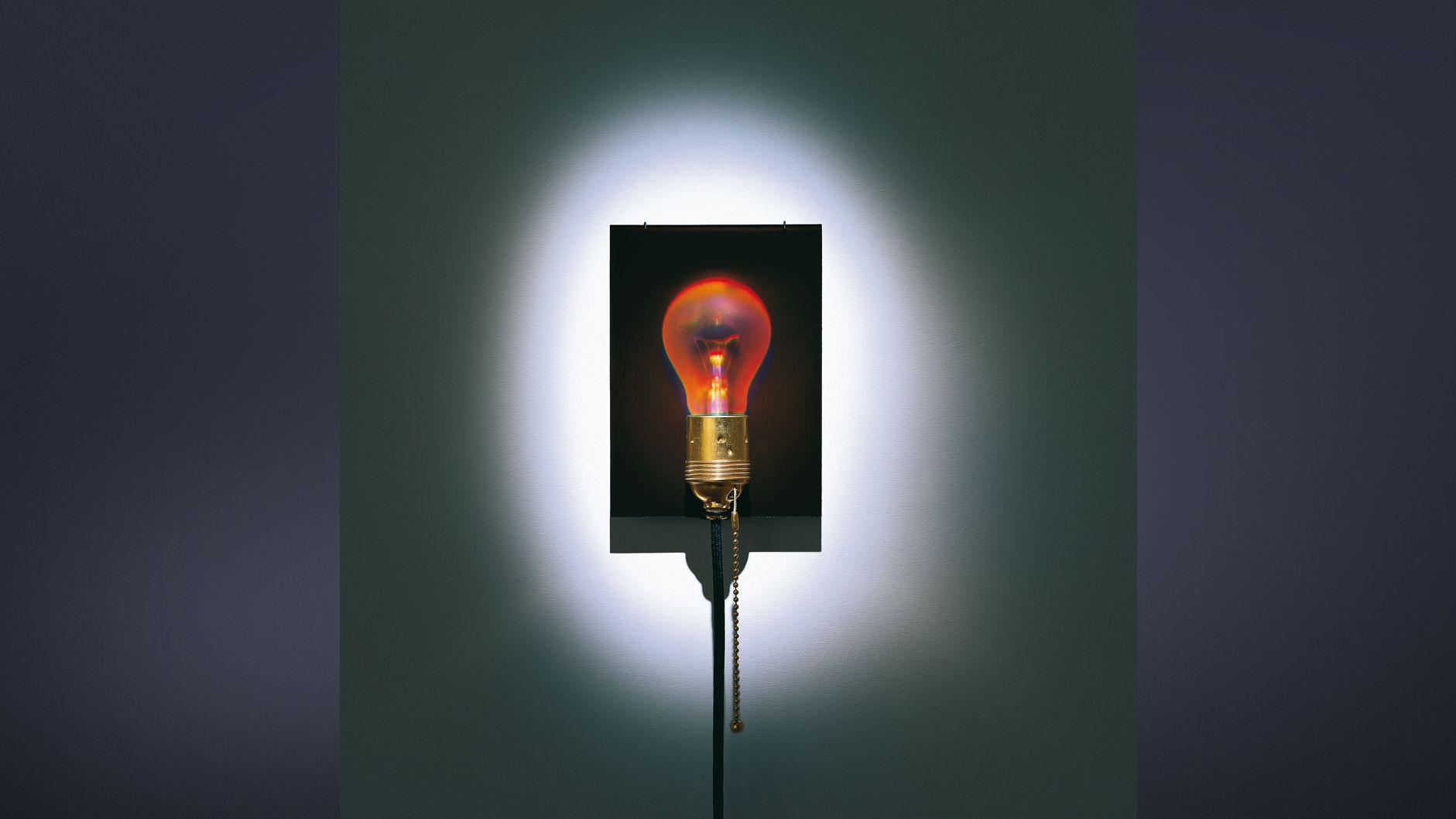 Eckhard Knuth, Ingo Maurer, Holonzki / Dead Bulb Alive, 2000.