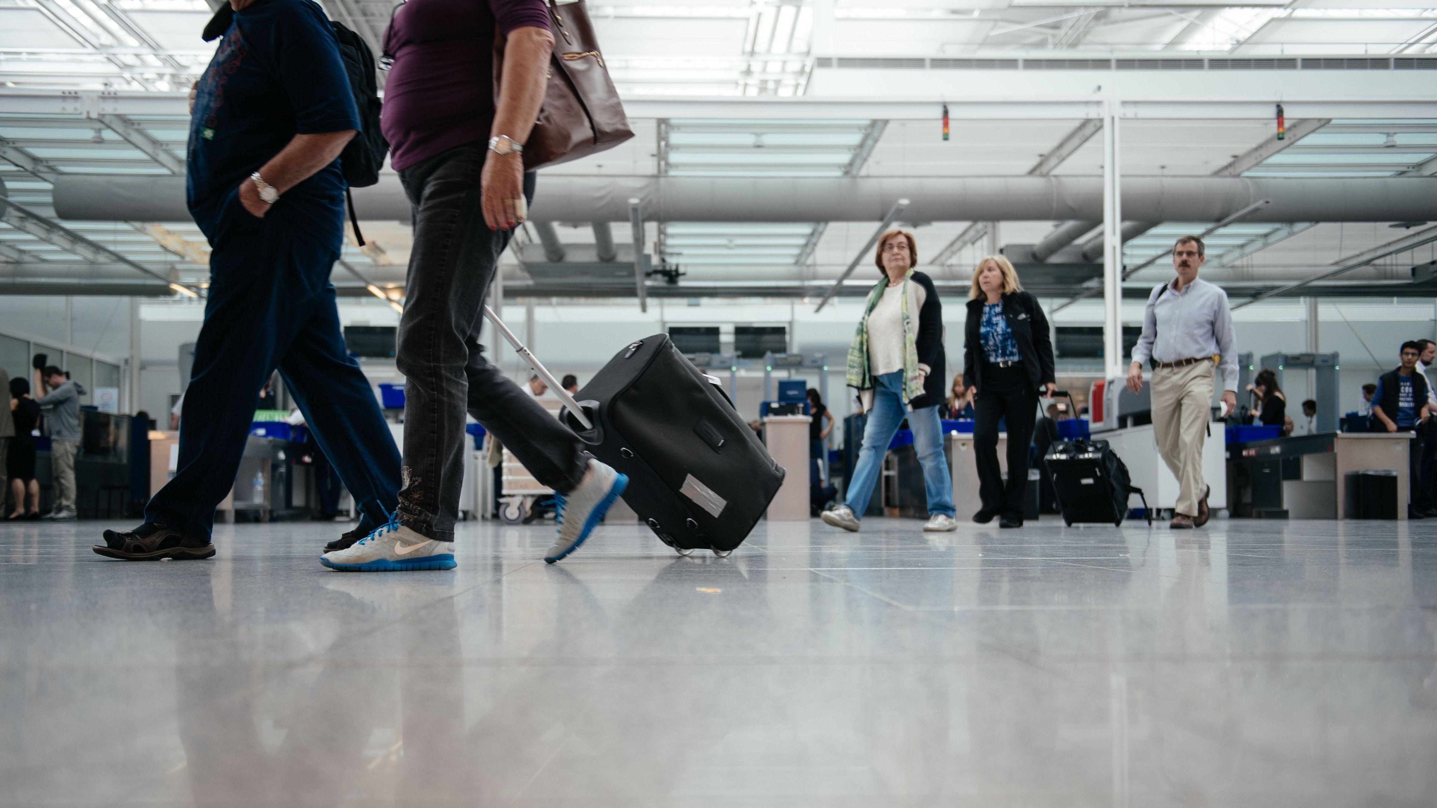Passagiere am Flughafen München (Archivbild).