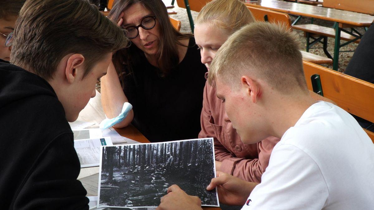 Recherchearbeit der Schüler und Schülerinnen