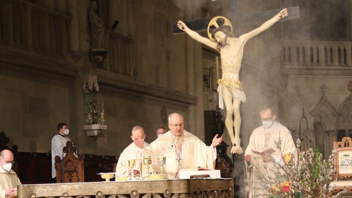 Bischof Rudolf Voderholzer äußert sich in einer Predigt zum Gründonnerstag zum Streit um einen einheitlichen Tarifvertrag für Altenpflege