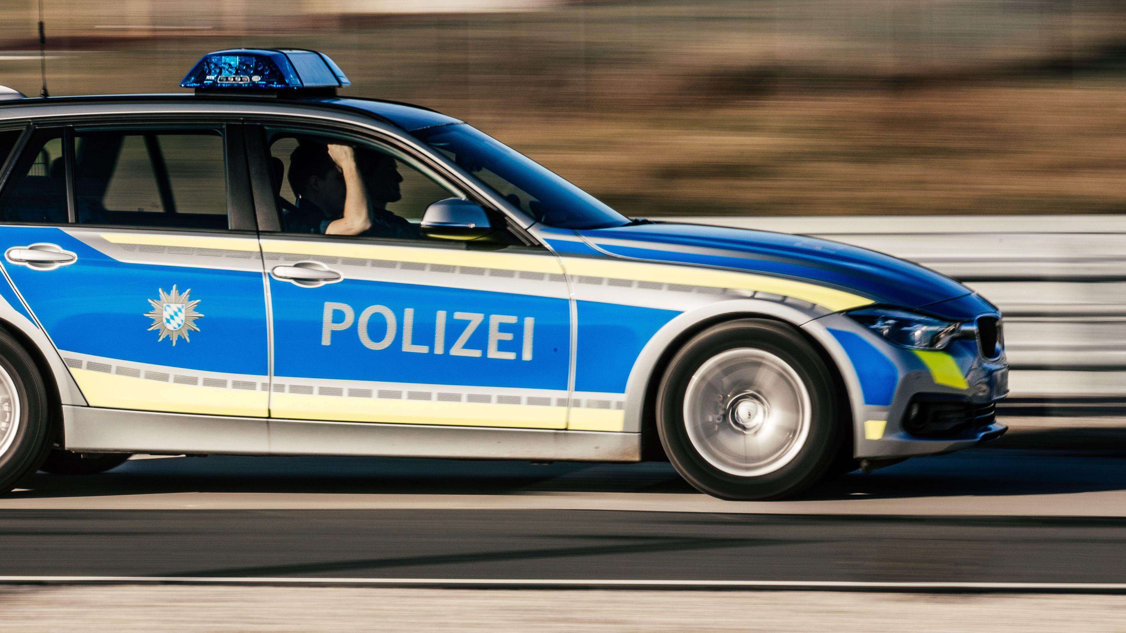 Ein 18-Jähriger ist in Passau vor der Polizei geflüchtet
