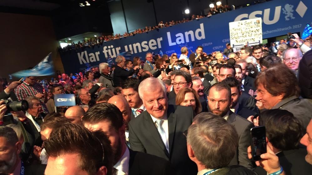 CSU-Chef Horst Seehofer beim Politischen Aschermittwoch der CSU in Passau | Bild:BR/Nikolaus Neumaier