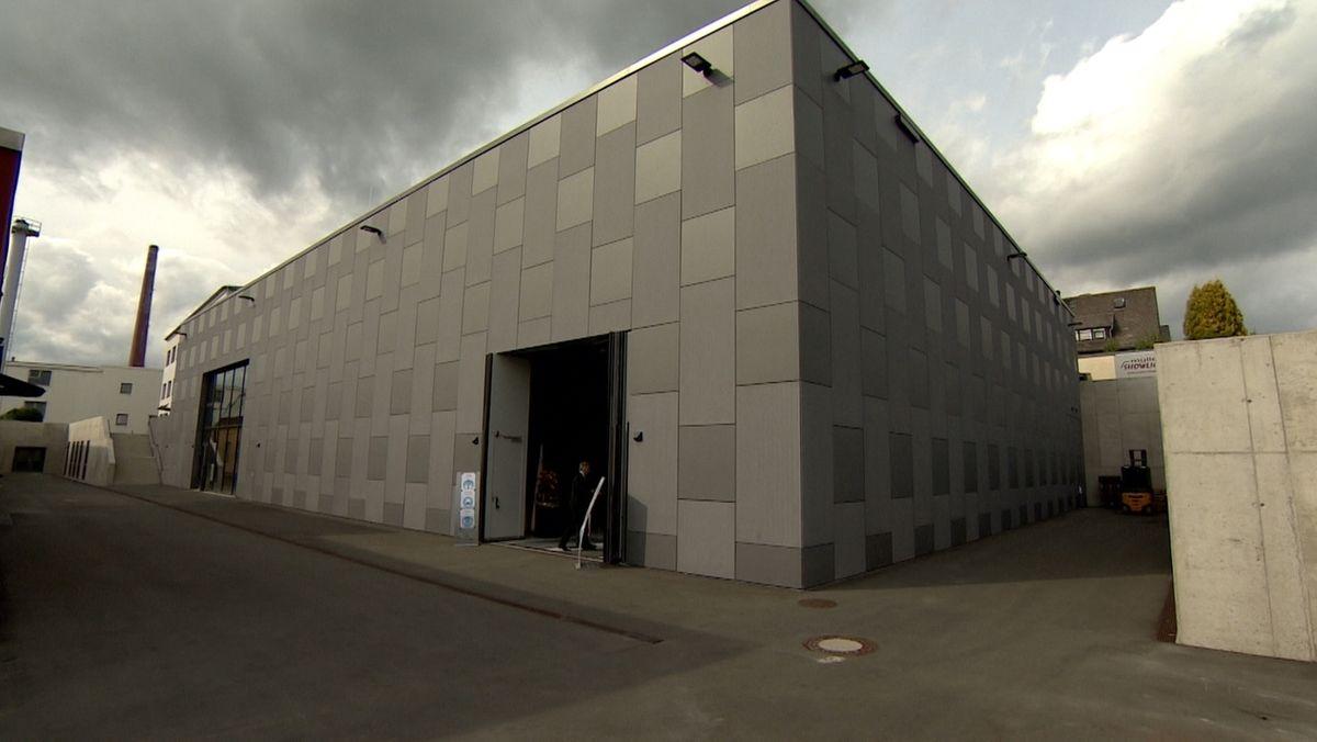 Münchberg weiht neues Textil-Forschungszentrum ein