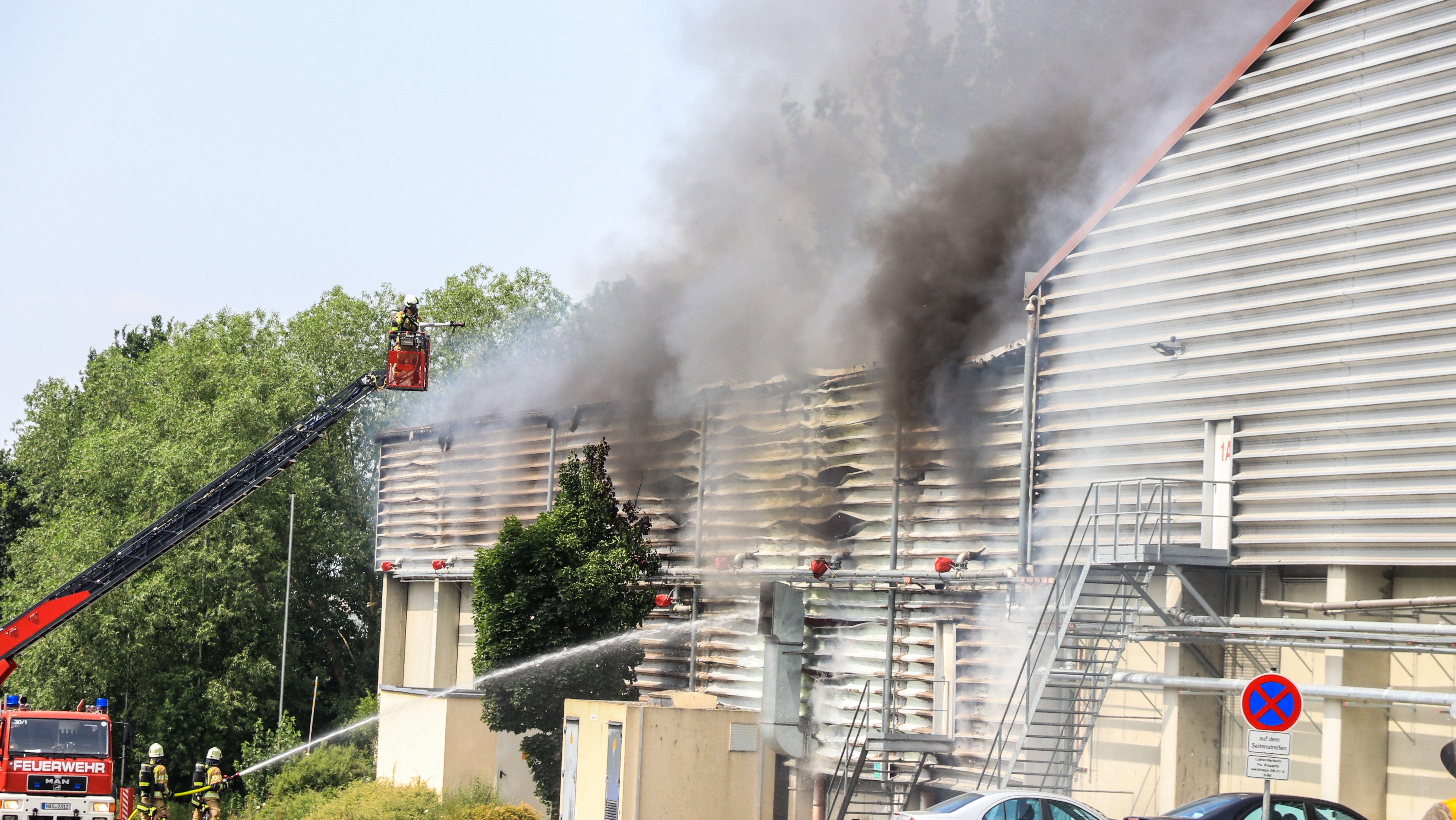 Brand in einem Entsorgungsbetrieb in Knetzgau