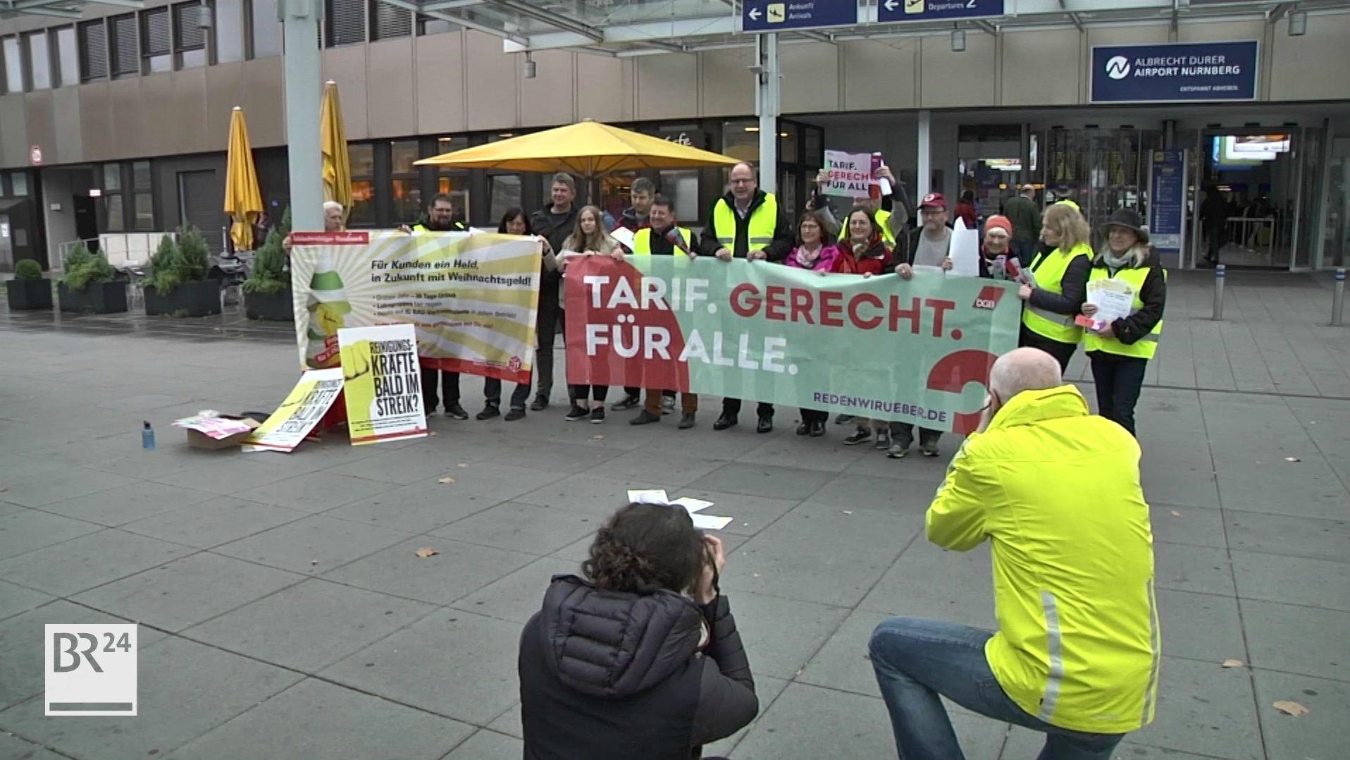 Aktion der IG BAU am Nürnberg Flughafen