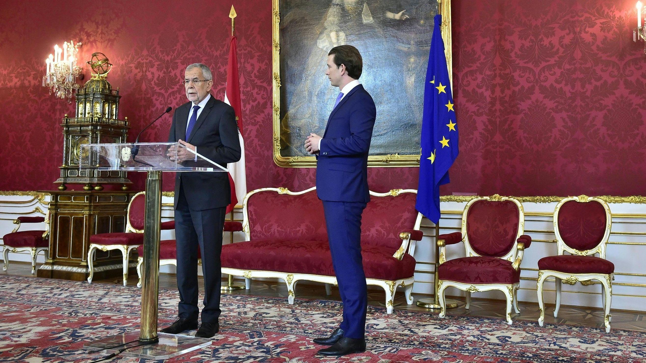 Alexander Van der Bellen, Bundespräsident von Österreich, spricht nach seinem Treffen mit Sebastian Kurz, Bundeskanzler von Österreich, zur Presse
