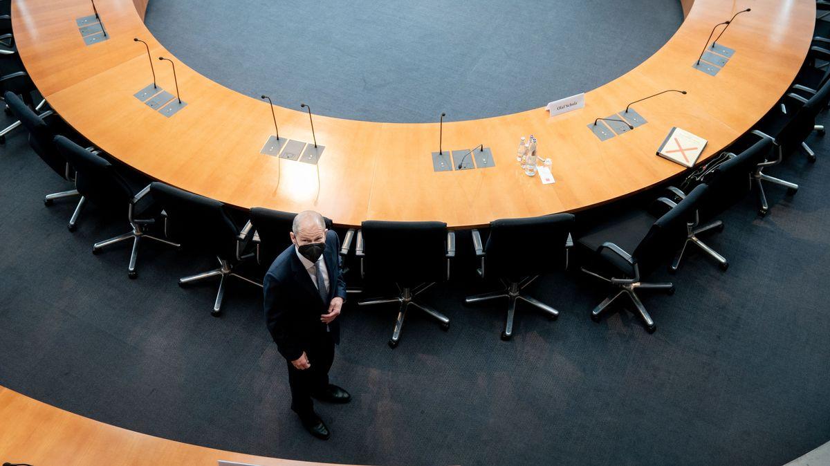 Bundesfinanzminister Olaf Scholz (SPD) kommt am 22. April 2021 zum Bundestags-Untersuchungsausschuss zum Bilanzskandal Wirecard.