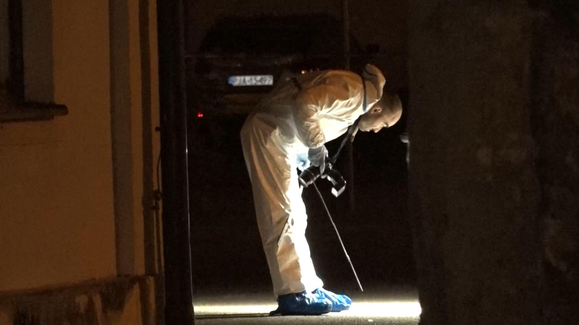 Spurensicherung nach tödlichem Messerangriff in Karlskron