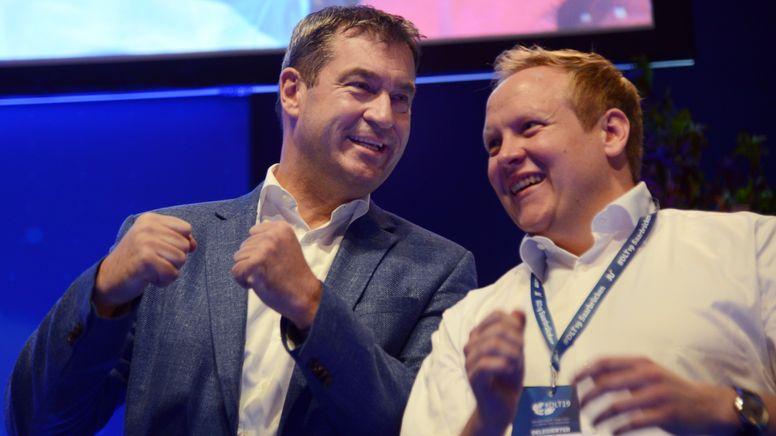 Archivbild: CSU-Chef Markus Söder (l.) und Tilman Kuban (r.), der Bundesvorsitzende der Jungen Union beim Deutschlandtag der JU im Jahr 2019. | Bild:picture alliance/dpa | Harald Tittel