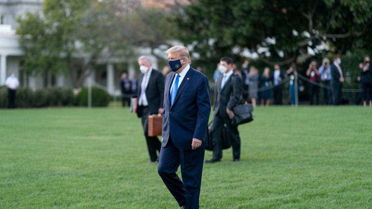 Donald Trump im Garten des Weißen Hauses.