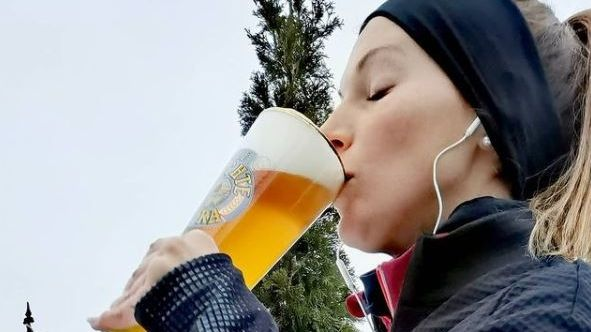 Sarah Jäger und Bier